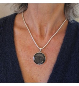 Pendentif argent et obsidienne argentee