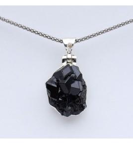 pendentif argent et pierre noire